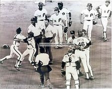 1980'S PHILADELPHIA PHILLIES LARRY BOWA ARGUING WITH ERIC GREGG 8X10 MUST SEE