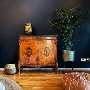 Living Room 06.jpg