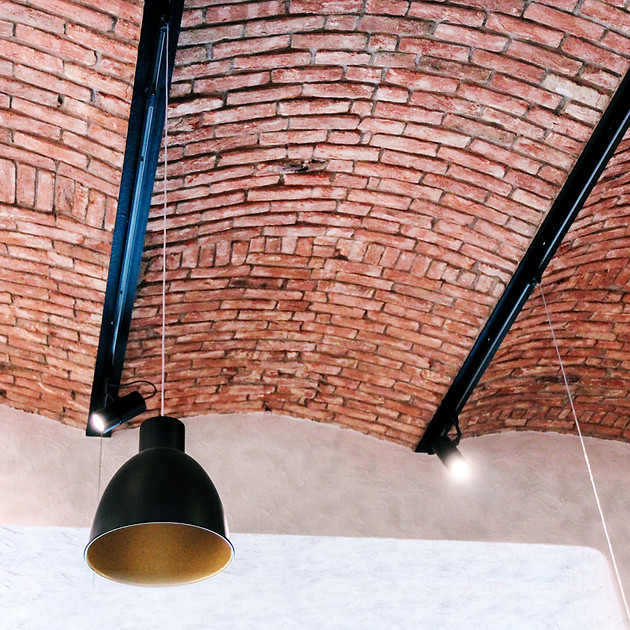 U Tomana_Stairs ceiling02.jpg