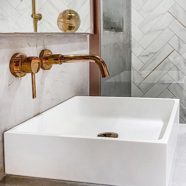 Guest Bathroom 01.jpg