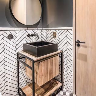 HackneyRd_Bathroom02.jpg