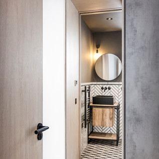 HackneyRd_Bathroom01.jpg