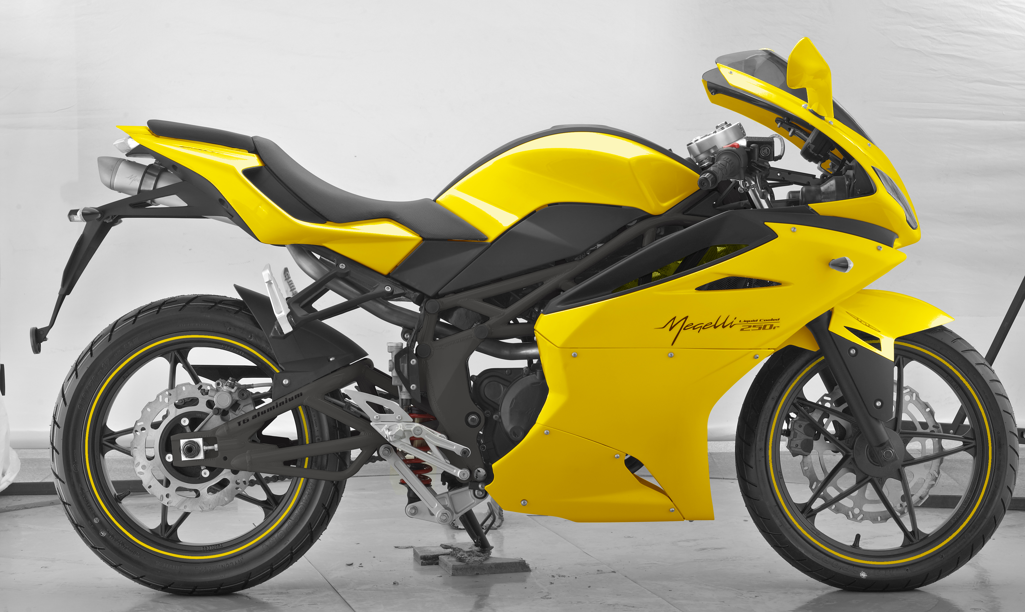 Megelli Sport R- Yellow