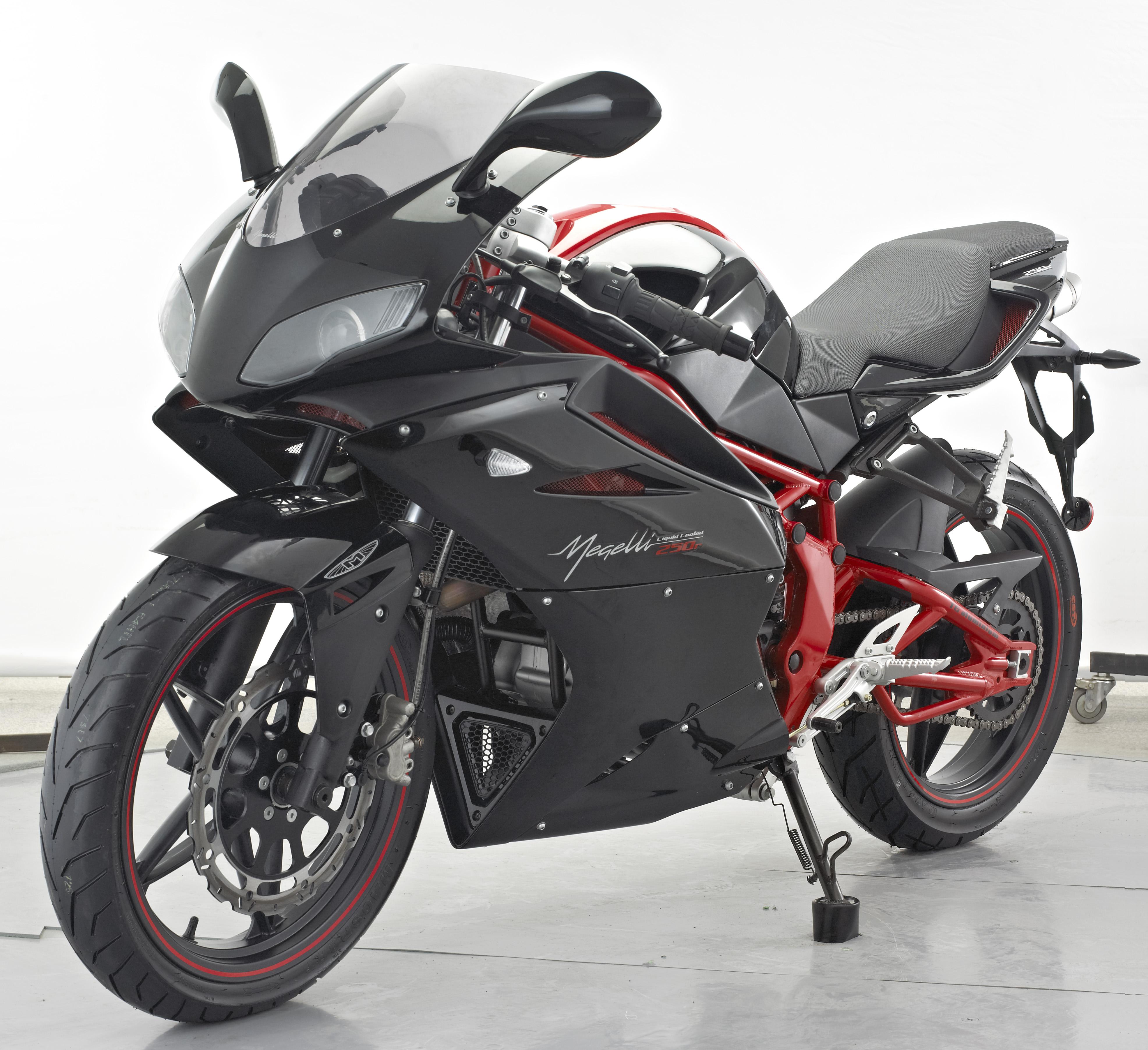 Megelli Sport R- Black