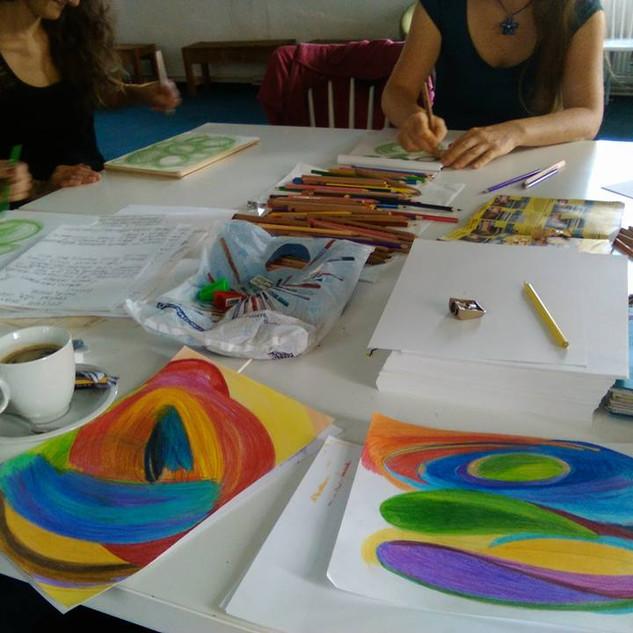 Workshop Intutitvní kresby pod vedením Lucie Slaninové v Liberci