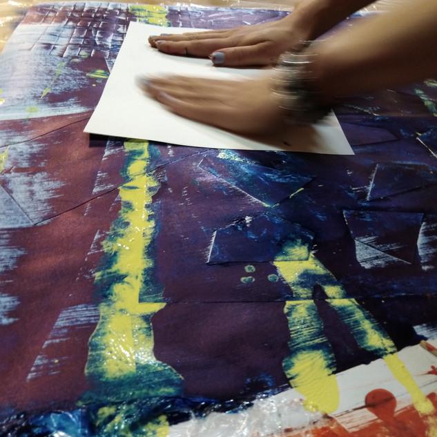 21.5.2019 ART papírový happening DRALA S Lucií Slaninovou