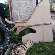 Dílna 3D papier TH a papier mache na Svatojánské oslavě - taky dojde na šťastnou sasanku, akorát budeme potřebovat pomoct s její stavbou ... kdo se přidá?