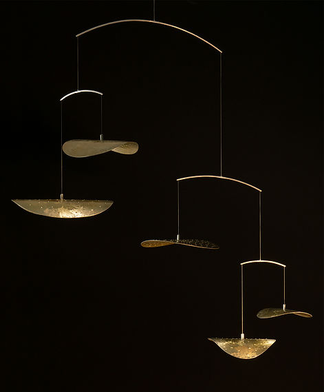 Nymphaea5 in Gold - Sculptural Light by Umbra & Lux