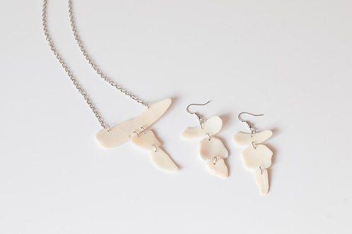 Sanibel Shell Earrings and Necklace Set