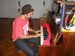 Nico y el piano de Rodolfo - Marzo de 2008