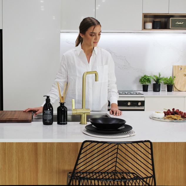 Showroom Kitchen 13.jpg