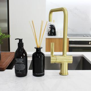Showroom Kitchen 2.jpg