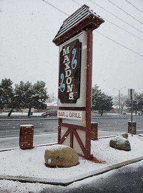 Maxdons Bar & Grill