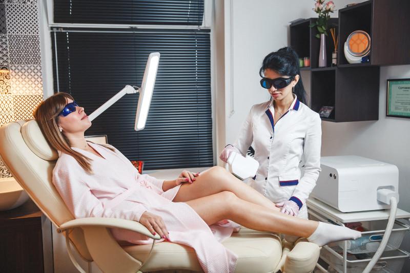 Депиляция и удаление волос на ногах аппаратная косметология Новый Уренгой