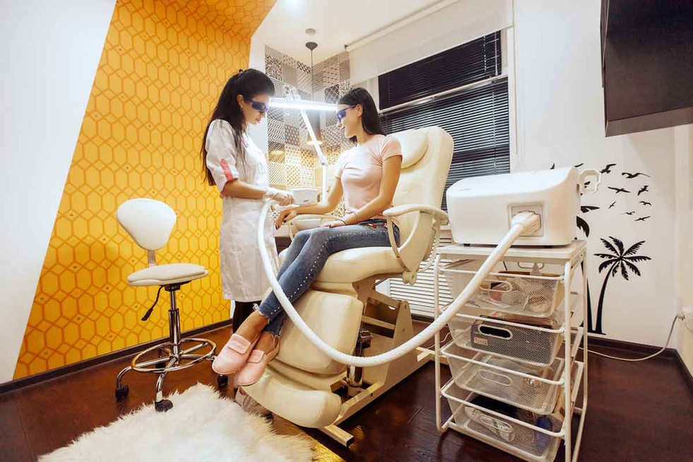 Проведение процедуры эпиляции депиляции в салоне Лазернур Lasernur Новый Уренгой