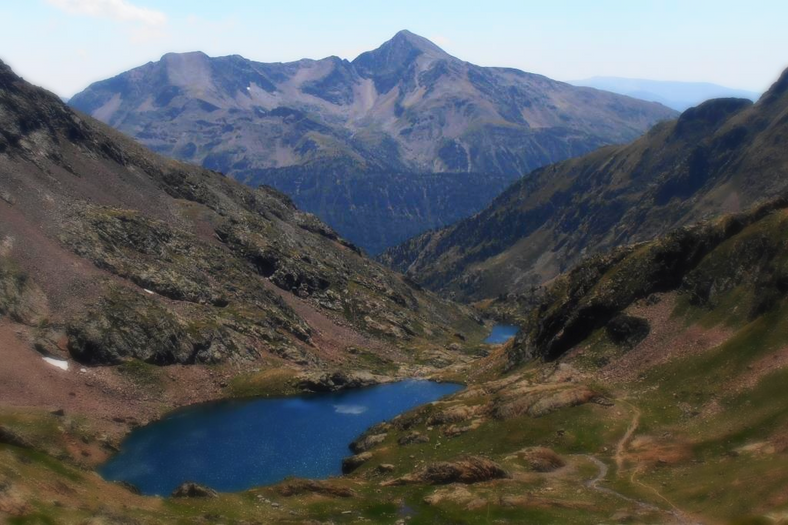Vista del Monteixo subiendo a la Pica d'Estats