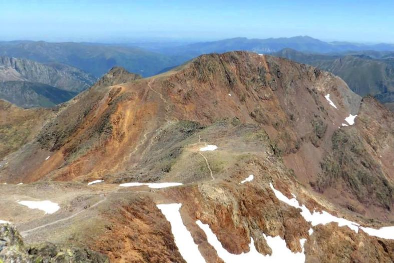 La cima del Montcalm des de la Pica d'Estats