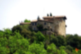 Excursió al castell de Llaés i les baumes troglodites