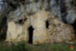 Excursió a les baumes de Can Burres i dels Ferrers