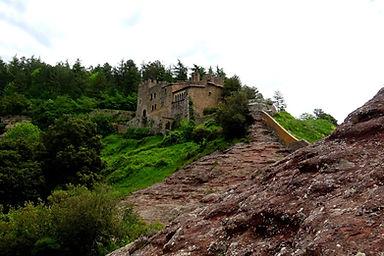 Senderisme guiat a castells de les Guilleries