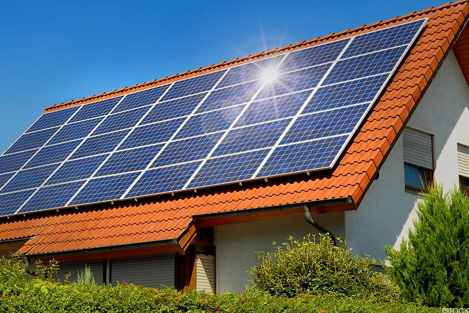 solar-stocks-fall-as-china-halts-buildin