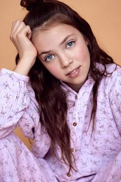 Model: Flo Agency: Jackie Lee Hair & make-up: Elise Vanderbruggen