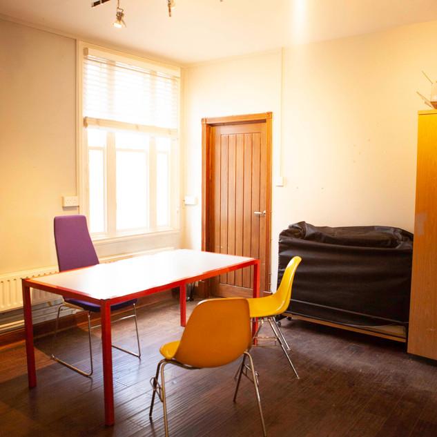 office1 02.jpg