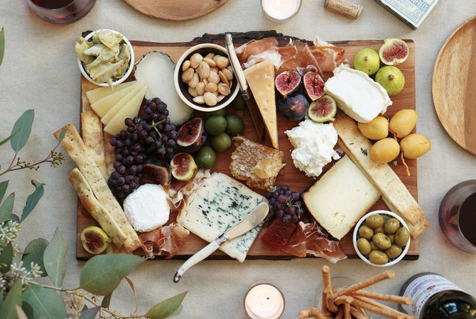 How to style the perfect cheese platter this New Year's Eve