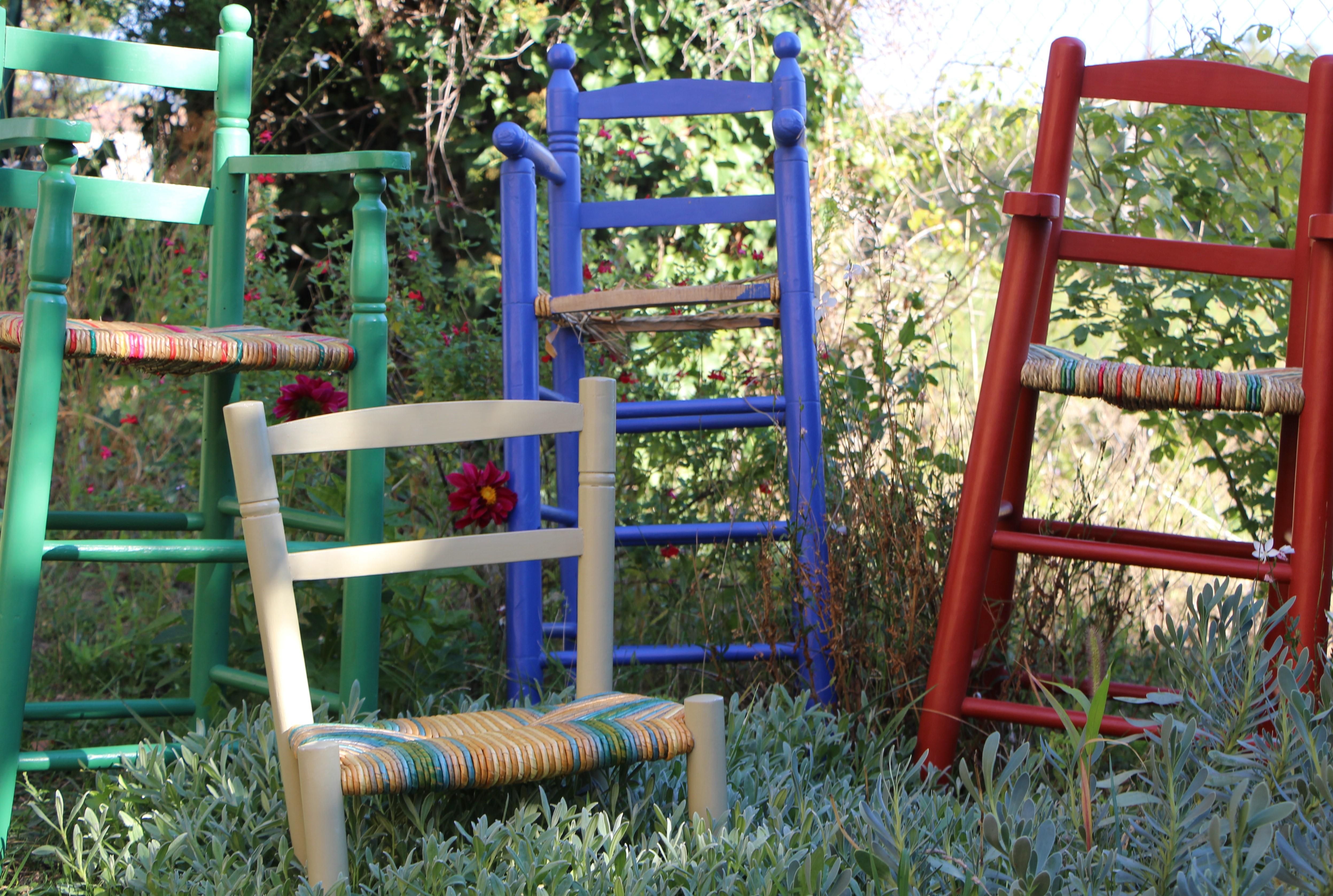 Le petit peuple des chaises paillées