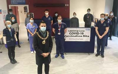 Mayor volunteers at Lordship Lane vaccination hub
