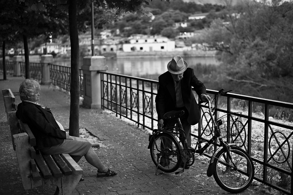 Shkoder-Couple-at-river-side.jpg