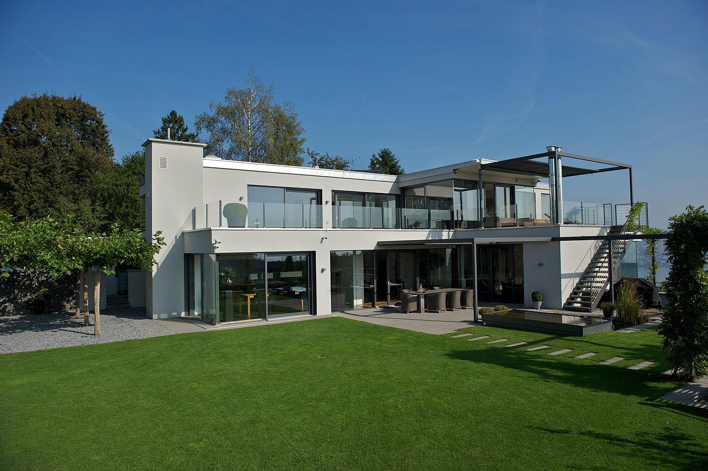 moderne villa bei z rich. Black Bedroom Furniture Sets. Home Design Ideas
