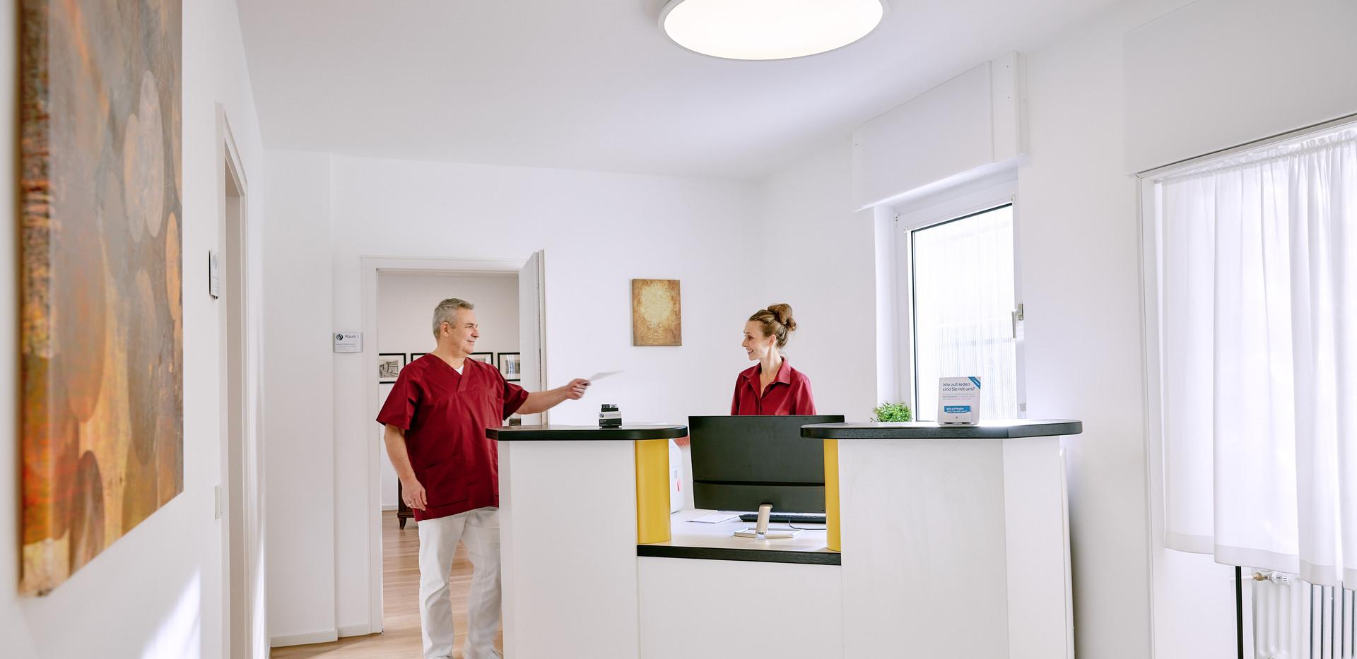 Chiropraxis Schwall, Chiropraktik und Osteopathie in Köln, Empfang