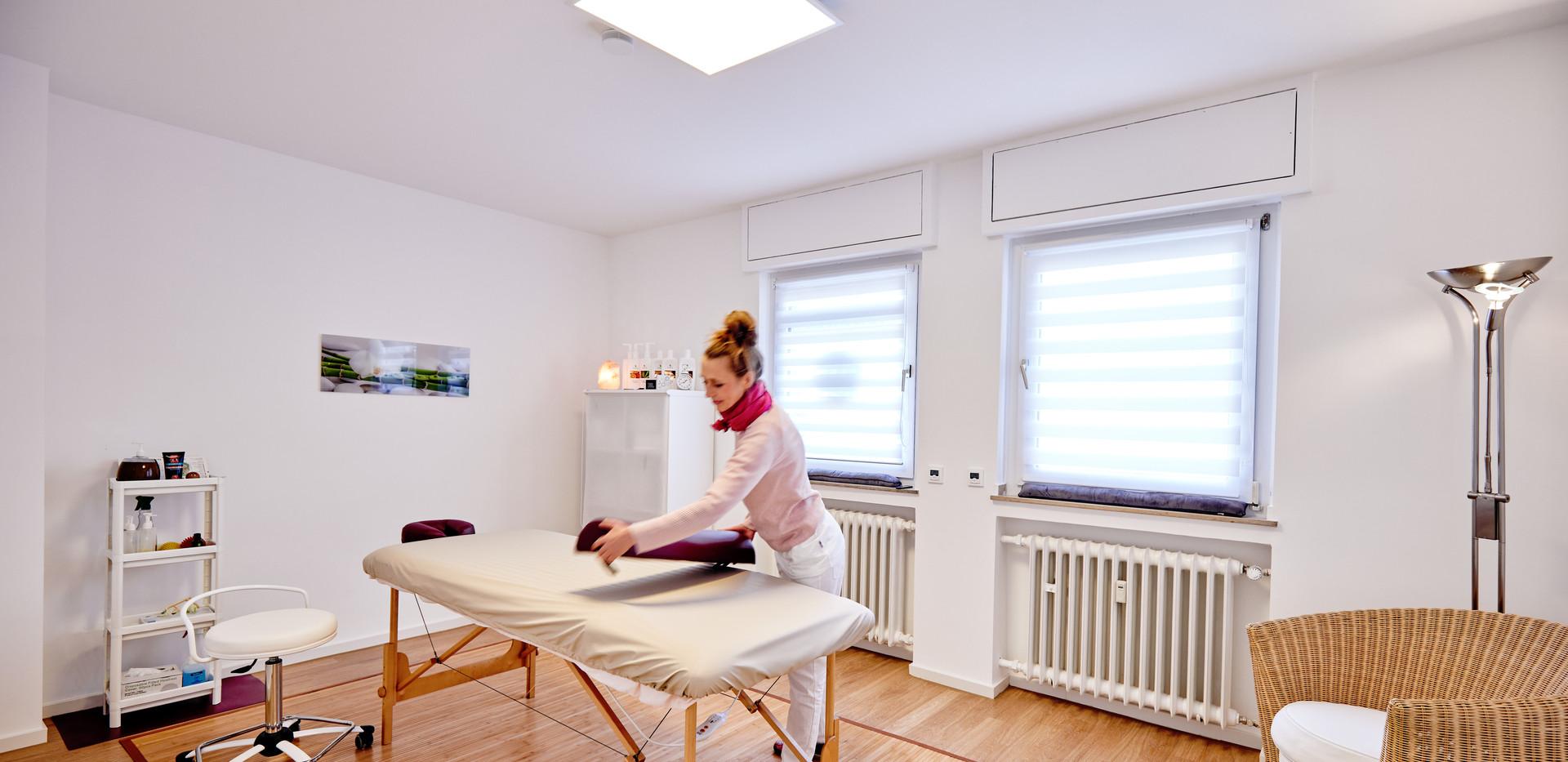 Chiropraxis Schwall, Chiropraktik und Osteopathie in Köln, Massage
