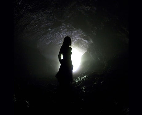 Cave-silhouette-in-France.jpg