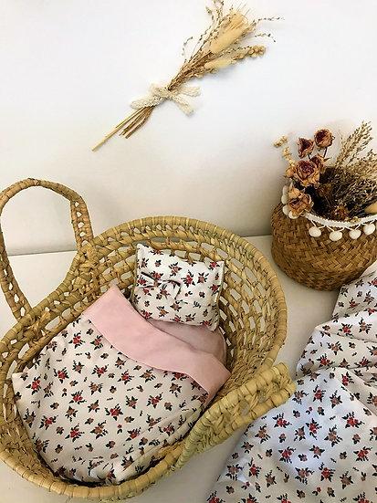 Parure pour lit de poupée