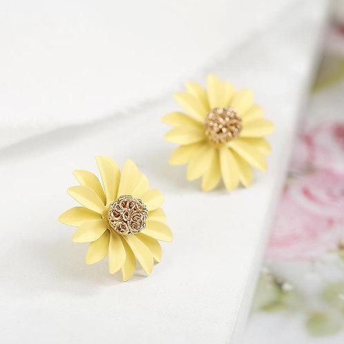Sweet Daisy Flowers Stud Floral Earrings