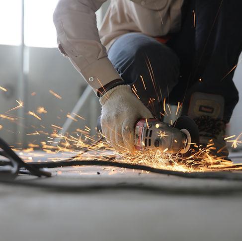 construction-grinder-man-1216544.jpg