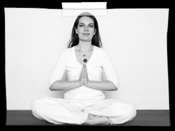 SS-Yoga%202%20Janni_edited.png