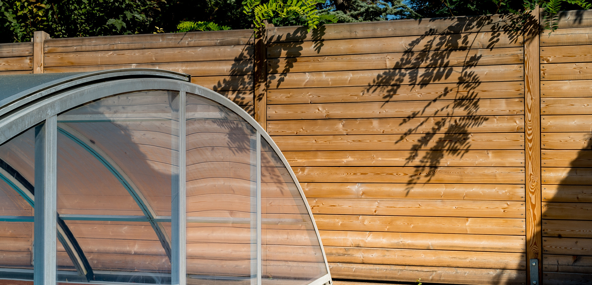 Sichtschutz für Poolbereich