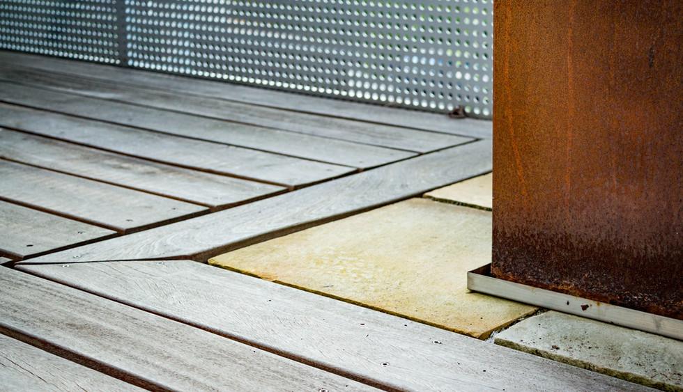 Holzboden Balkon Detail