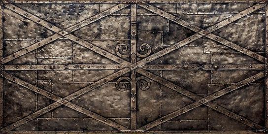 Historische Kunststoff Designwand in Stahloptik aus dem Mittelalter