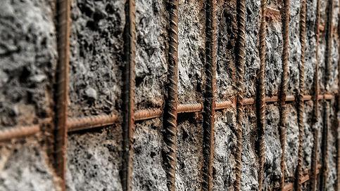 Spritzbetonpaneele mir Bewehrungsgitter - Kunststfoff Betonpaneele in Stein- und Betonopti
