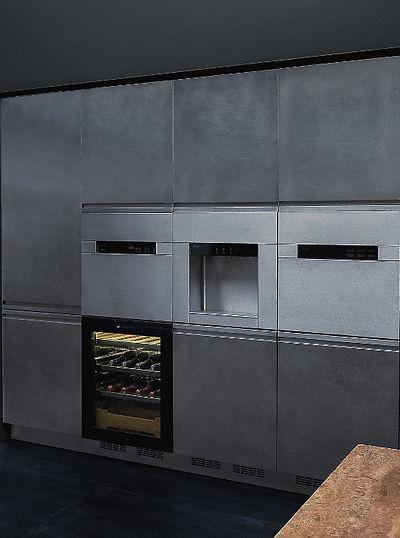 Moderne Xera Stahl Küche mit Weinkühler