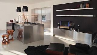 Luxus Designerküche aus Stahl mit moderner Kücheninsel