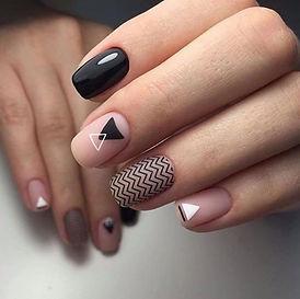 1574403381_matovyj-manikjur-geometrija-4