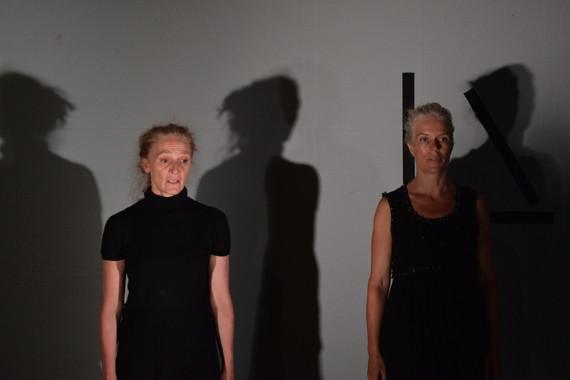 THE STRANGE GEOMETRY OF TIME (LA GÉOMÉTRIE BIZARRE DU TEMPS) - Red Room Productions