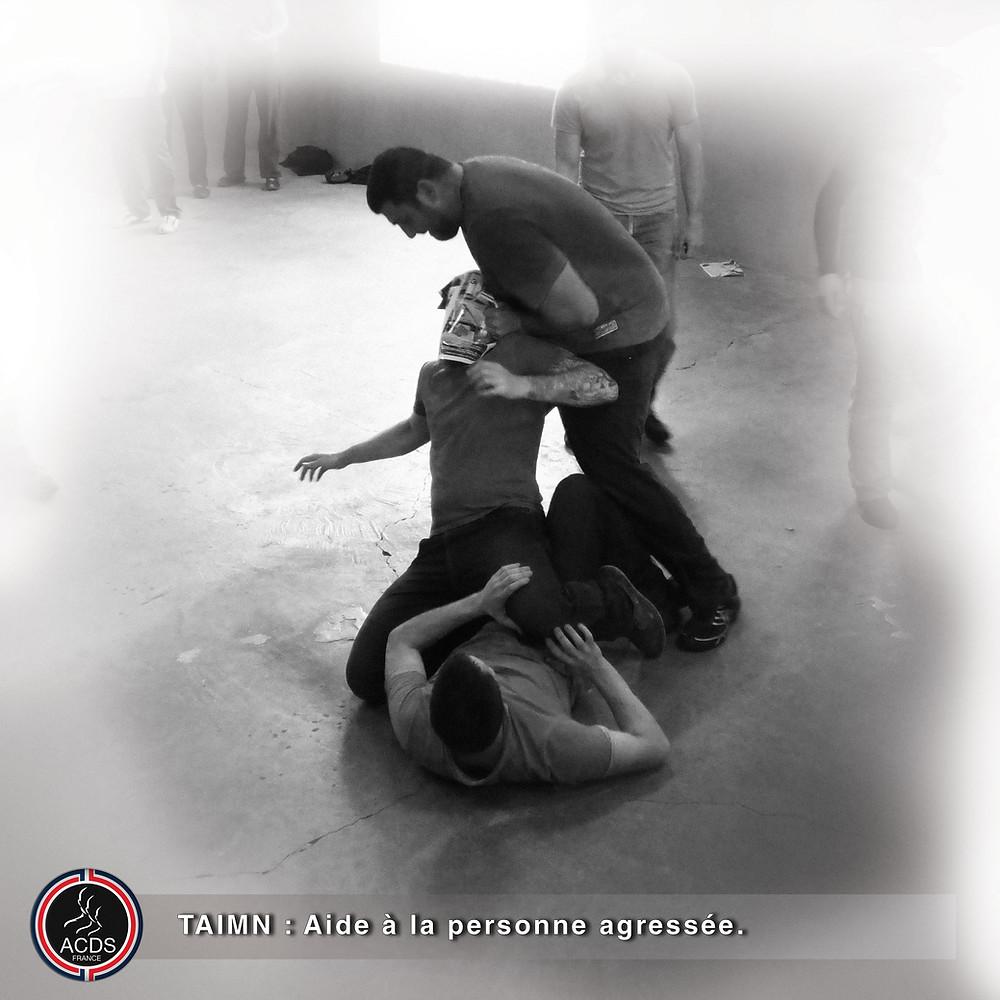 TAIMN : Aide à la personne agressée.