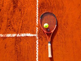 Wat is een tenniselleboog en wat kan je eraan doen?