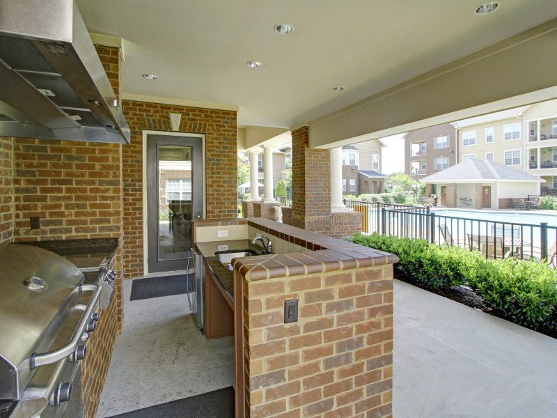 Deerfield - Outdoor grill area
